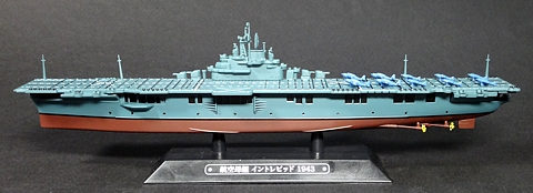 038_Intrepid_model_01_s.jpg