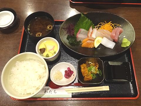 Lunch_R010607_01.JPG