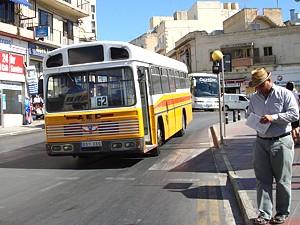 bus_04_s.jpg