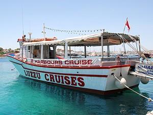 cruiseboat_03.jpg